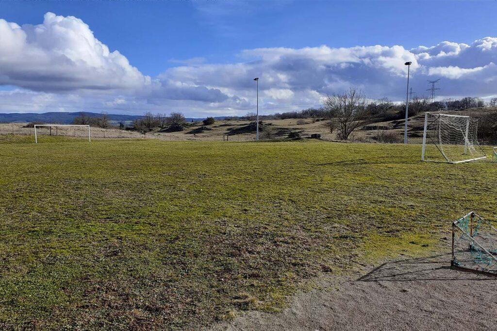Terrain de foot de Lioujas